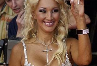 Лера кудрявцева продемонстрировала интимную стрижку